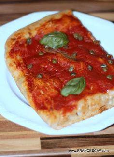 Pizza integrale rossa fatta col metodo Bonci