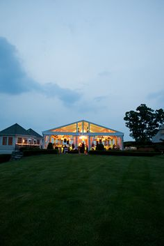 Atmosphere – Stephen M. Tokar | Cleveland, Ohio | Wedding Planning | Event Design  is this at shoreby club?