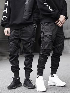 New Hip Hop Boys Multi-pocket Elastic Waist Harem Pant Men Streetwear Punk Trousers Jogger Male Tactical Pants Black Cargo Pants Streetwear Men, Streetwear Fashion, Mode Masculine, Harem Pants Men, Mode Grunge, Moda Blog, Tactical Pants, Cyberpunk Fashion, Cyberpunk Clothes