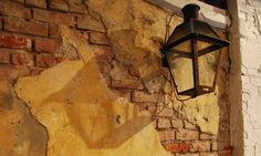 Exposed Brick | Charles & Hudson (http://www.flickr.com/photos/charles_hudson/) | Creative Commons
