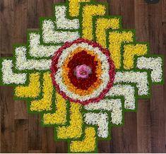 Easy Rangoli Designs Diwali, Indian Rangoli Designs, Rangoli Designs Flower, Free Hand Rangoli Design, Colorful Rangoli Designs, Rangoli Designs Images, Flower Rangoli, Beautiful Rangoli Designs, Mandir Decoration