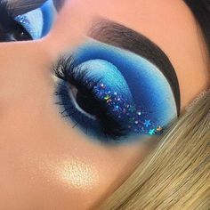 Blue moon. Cute Makeup Looks, Makeup Eye Looks, Eye Makeup Art, Colorful Eye Makeup, Crazy Makeup, Blue Eye Makeup, Pretty Makeup, Makeup Inspo, Makeup Ideas