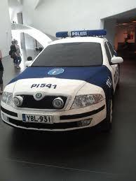 Virkattu poliisiauto. (Kaija Papu)
