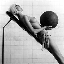 ROBERT MAPPLETHORPE: FASHION SHOW - 11 September - 5 October 2013 - Works | Alison Jacques Gallery