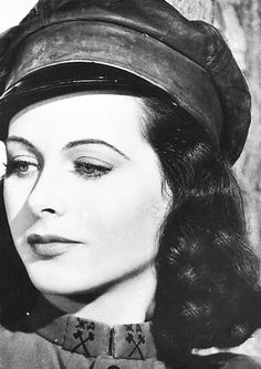 Hedy Lamarr for Comrade X, 1940. Via http://hollywoodlady.tumblr.com/