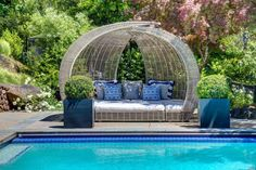 Summer days by the pool are better when you have a seat like this!