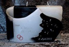 Ich fertige einzigartige Hochzeitskerzen nach individuellen Wünschen an. Ein Unikat für jedes Brautpaar. 100%ige Handarbeit aus Oberösterreich. Sie können nicht nur die Verzierung, sondern auch die Form der Kerze selbst bestimmen, da wir auch die Rohlinge nach Kundenwunsch selbst herstellen. Kerze mit Holz, Mantelkerze, Kerze mit Mineralien, Achat, Meteorit, Hochzeit selbstgemacht Standesamt Kirche Hochzeitsbrauch Geschenk Dekoration Kerze deko Trauung Trauspruch Kerzenshop… Form, Candles, Candle Making, Embellishments, Decorations, Candle Decorations, Newlyweds, Minerals, Homemade