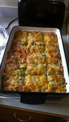 Enjoy this cheesy casserole made using Betty Crocker® Seasoned Skillets® hash . Enjoy this cheesy casserole made using Betty Crocker® Seasoned Skillets® hash brown potatoes, pork sausage and veggies – perfect for a brunch or dinner. Brunch Casserole, Casserole Dishes, Casserole Recipes, Quiche Recipes, Lasagna Recipes, Spinach Recipes, Sandwich Recipes, Breakfast Items, Breakfast Dishes