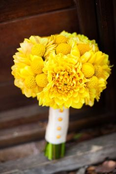 Lovely yellow Dahlia and Billy Button incorporation.