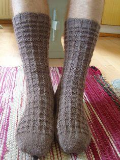 Knitting Socks, High Socks, Mittens, Wool, Hats, Fashion, Socks, Knits, Knit Socks