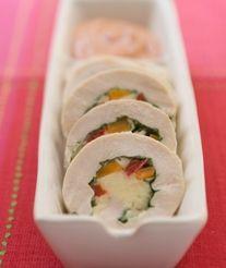Matambre de pechugas de pollo  | Queso en Hebras La Paulina Tapas, Sushi, Ethnic Recipes, Food, Salads, Gastronomia, Breast, Hams, Appetizers
