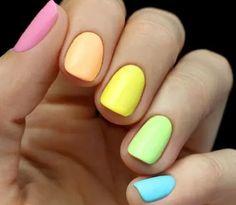 Imagen vía We Heart It https://weheartit.com/entry/167573435/via/8747852 #amazing #beautiful #beauty #blue #colorful #colors #cute #decor #design #fashion #girls #green #makeup #manicure #nailpolish #nails #neon #orange #pink #rainbow #yellow #nailsart