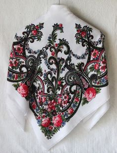 Traditional Russian Floral Shawl. Wool Cowl by AndrewDarlinStore