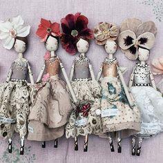 New ladies for sale ⭐️ #magpieandthewardrobe #themagpieandthewardrobefairy #themagpieandthewardrobedolls #themagpieandthewardrobe #sammckechniedolls #sammckechnie #fairymaking #dollmaker