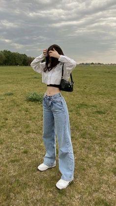 Korean Girl Fashion, Ulzzang Fashion, Kpop Fashion Outfits, Indie Outfits, Retro Outfits, Cute Casual Outfits, Look Fashion, K Fashion Casual, Winter Fashion