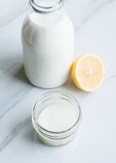 7 Ways To Look Younger With Lemons   http://helloglow.co/beauty-uses-for-lemons/
