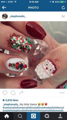 Santa clause. Red Christmas nails