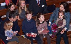El príncipe Vincent y la princesa Josephine de Dinamarca asisten a su primer Concierto de Navidad #denmark #prince #princess #royals #royalty #realeza