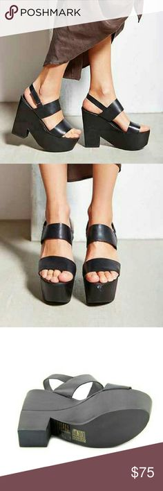 COMING SOON SHELLYS LONDON Valbruna  Material : leather  Measurements : 5.5 inches heel Width : medium Shellys London Shoes Sandals