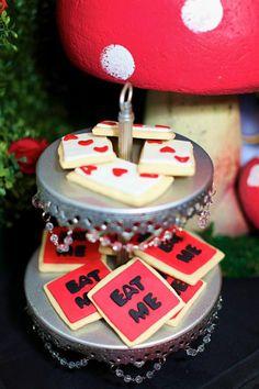 Midnight Alice in Wonderland Tea Party : Cookies