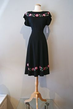 40s Dress // Vintage 1940s Pink Flower Chain by xtabayvintage, $198.00