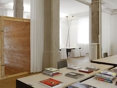 #architecture #interiordesign #design #interior #minimal #italianstyle #italiandesign #federicodelrossoarchitects #italianarchitects #interiorarchitecture #studioarchitettura #concrete #white #grey #metal #studiodesign #workspace #milan #italy Interior Architecture, Interior Design, Living Place, Italian Style, Minimalism, Milan Italy, Milano, Offices, Building