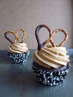 Chocolate Peanut Butter PretzelCupcakes