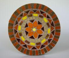 Mandala em mosaico flor laranja