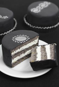 """Sprinkle Bakes: Earl Grey Poppy Seed Tea Cakes, We made these for """"Desserts by Design theme Greyhounds Tea Cakes, Mini Cakes, Cupcakes, Cupcake Cakes, Just Desserts, Delicious Desserts, Yummy Food, Think Food, I Love Food"""