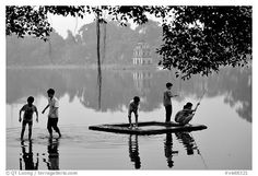 Black and White Picture/Photo: Children playing, Hoan Kiem Lake ...