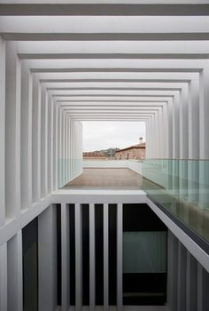 * Patricia Gray | Interior Design Blog™: White Pattern + Light in Architecture