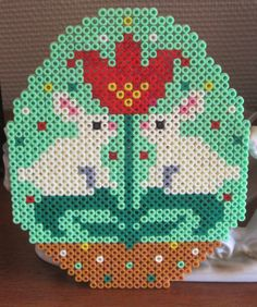 Påske hama perleplade påskeæg med harer Easter hama beads Easter egg