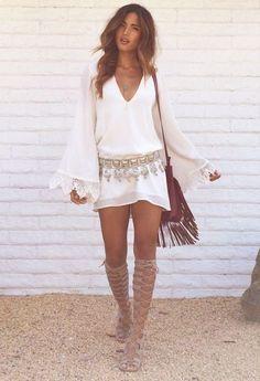 Moda Hippie Chic Bohemian Sandals 43 New Ideas Hippie Style, Look Hippie Chic, Look Boho, Gypsy Style, Bohemian Style, Boho Gypsy, Street Style Inspiration, Mode Inspiration, Vetement Hippie Chic