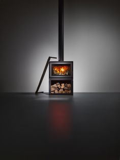 BOX is our latest freestanding wood-burning stove. It's sleek, it's minimal and real design object. Fireplace Doors, Stove Fireplace, Fireplace Design, Fireplace Ideas, Wood Burning Logs, Freestanding Fireplace, Freestanding Stoves, Flies Outside, Log Burner