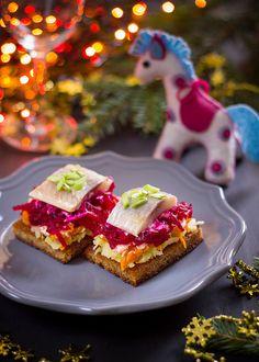 сельдь под шубой, сельдь под шубой рецепт, селедка под шубой, селедка под шубой рецепт, салат из сельди, салат из селедки, селедка рецепты, закуска, рецепты закуски, закуска к пиву, праздничный стол, праздничные рецепты, вкусные рецепты,