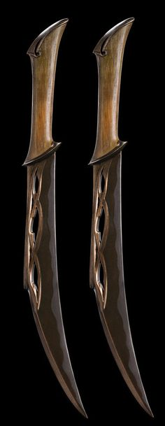 Weta Workshop - Tauriel's Daggers. I want these so bad. O_O I don't have the time or skill to make these but i am touching up some plastic swords