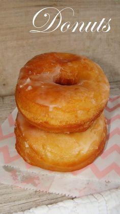Qué ricos están los donuts y más aún si son caseros y hechos por nosotros. Es uno de los dulces favoritos de casi todo el mundo, se pueden ...