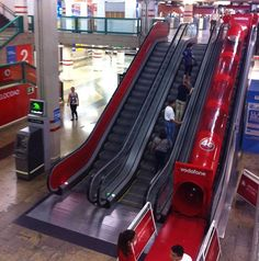 Fast faster! Vodafone introduces the new 4G internet with this slide next to the escalators. Smart!