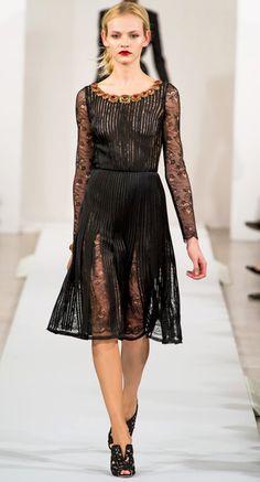 Romantic Chic Lace #LBD Black Dress I Oscar De La Renta #Fall2013