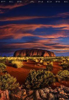 Uluru (Ayers Rock) at sunset, Australia. Beautiful Sunset, Beautiful World, Beautiful Places, Amazing Places, Outback Australia, Australia Travel, Places Around The World, Around The Worlds, Ayers Rock