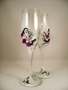 Gorgeous wedding champagne glasses hand decorated by PureBeautyArt, $54.00...can definitely make these