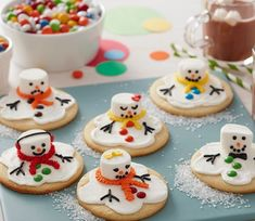 Whatever your age, you will appreciate these cute cookies. The biscuits are easy to make and the fun is in the decorating. It's a brilliant edible crafts project for children to enjoy, too. Cute Christmas Desserts, Cute Christmas Cookies, Christmas Biscuits, Cute Cookies, Christmas Treats, Christmas Baking, Xmas Cookies, Christmas Cakes, Christmas Goodies