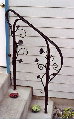 Decorative hand rail for stairs Porch Step Railing, Wrought Iron Porch Railings, Porch Handrails, Exterior Handrail, Outdoor Stair Railing, Iron Handrails, Wrought Iron Decor, Porch Steps, Structure Metal