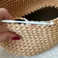 Crochet Bag Tutorials, Crochet Diy, Crochet Instructions, Crochet Videos, Crochet For Beginners, Crochet Crafts, Crochet House, Crochet Mask, Crochet Dolls