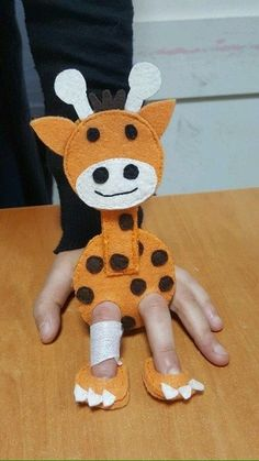 Развивающие игры из фетра Puppet Crafts, Felt Crafts, Crafts For Kids, Felt Puppets, Felt Finger Puppets, Felt Books, Operation Christmas Child, Baby Sewing Projects, Sewing Toys