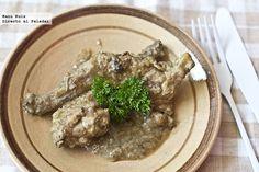 Receta de conejo marinado con salsa de almendras. Con fotografías paso a paso y consejos de elaboración y degustación. Recetas con conejo. Carne...