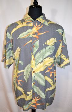 TOMMY BAHAMA Men's Hawaiian shirt Size M 100% Silk Grey Yellow Green