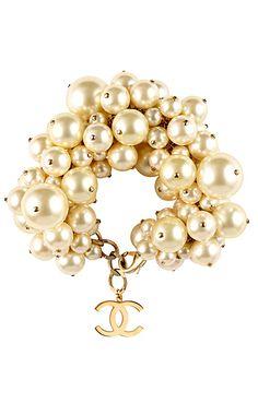 Chanel- I luv pearls