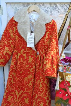 simple thoughts: the country living fair & friends Country Living Fair, Dress Up Boxes, Cool Coats, Vintage Coat, Vintage Textiles, Dress Me Up, Boho Fashion, Fashion Details, Beautiful Outfits
