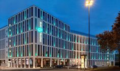 MOTEL ONE COLOGNE - Modern Design Hotel for little money